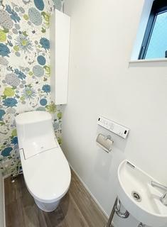 トイレ2F.JPG