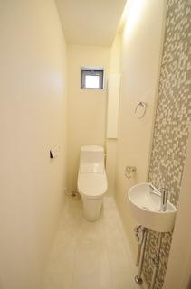 トイレ2F (1).JPG